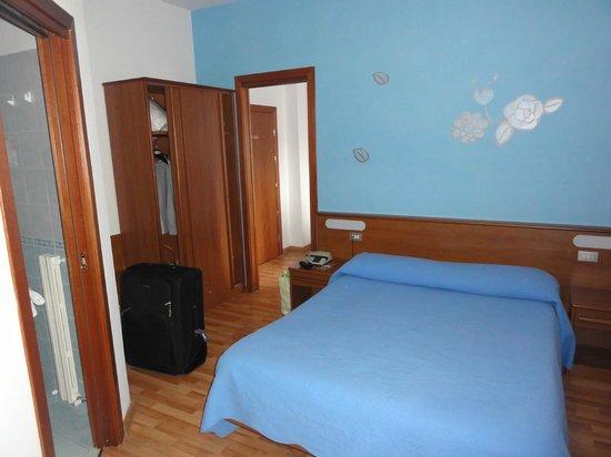 Astor Hotel: Chambre triple ou quadruple