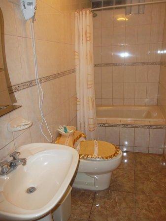 Machu Picchu Suites: Baño de suite con tina