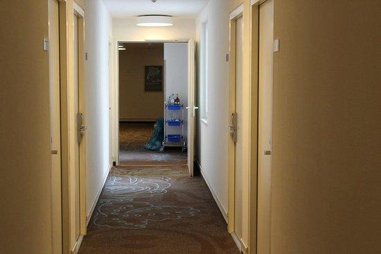 Motel One Muenchen-Sendl. Tor: corridoio