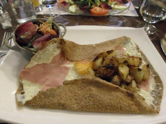 Le Sarrasin : the ham, cheese, potato and egg galette with salad was very nice