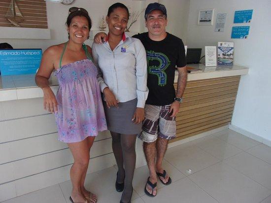 Hotel Blue Cove: La mejor recepcionista