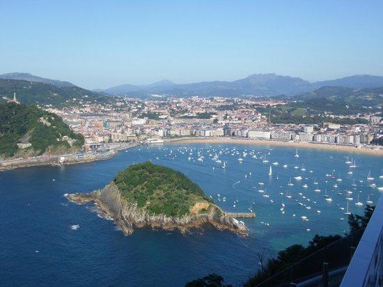 Mercure Monte Igueldo: Vista da sacada da recepção do hotel