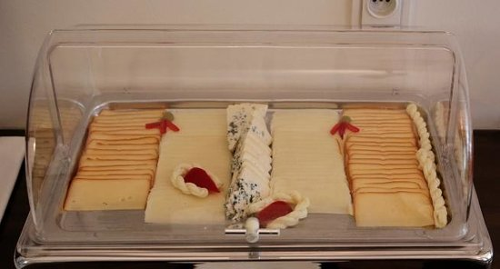 Hotel Residence Agnes: The delicious local cheeses