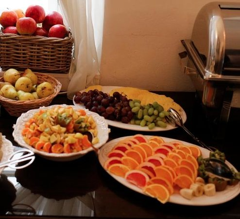Hotel Residence Agnes: Even more fresh fruit
