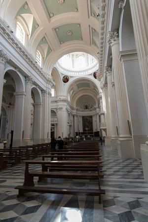 Cattedrale di Urbino: Interno