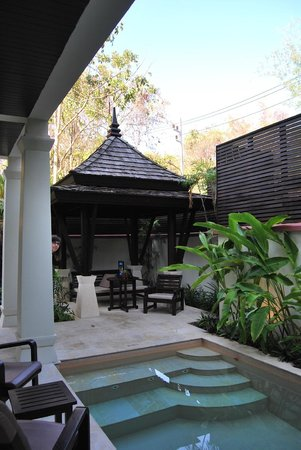 Melati Beach Resort & Spa : Private garden pool room
