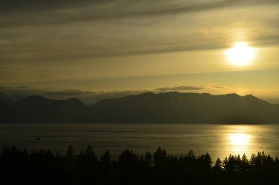 Harrah's Lake Tahoe: Sunset from Restaurant