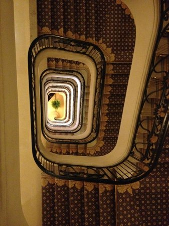 Four Seasons Hotel George V Paris: Hotel staircase - love this view