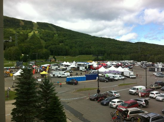 Chalets Montmorency Mont-Sainte-Anne: View of the hill & events from the room