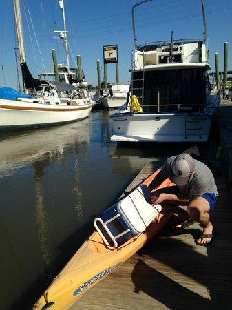 North Island Surf and Kayak: Loading at the rental shop docks