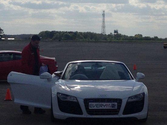 Everyman Racing: Audi R8 V10