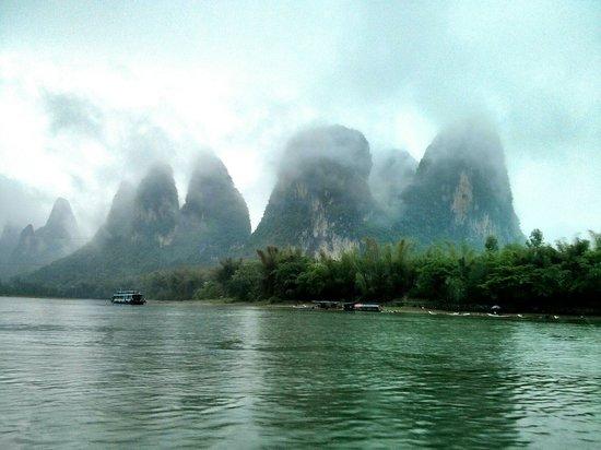 Lijiang Folk Customs Garden: Le montagne che fumano