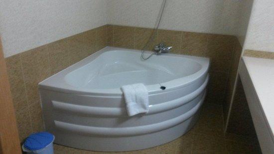 Veronica Hotel: Bathroom !!!