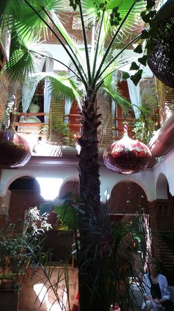 Riad CharCam : l'entée et le hall