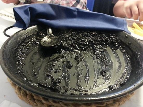 La Mulata Restaurant: los restos mortales de un impresionante arroz negro.....