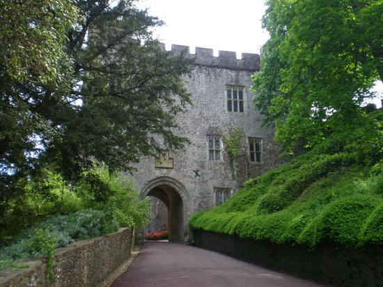 Dunster Castle: Gate