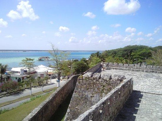 Casita Carolina: La laguna desde el fuerte.