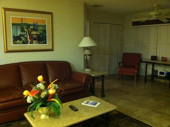 Westgate Flamingo Bay Resort: Living Area