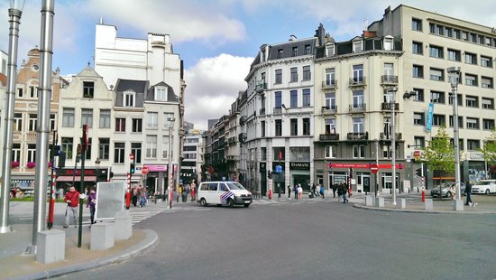 Scandic Hotel Grand Place: Scandic Hotel is down from this street corner