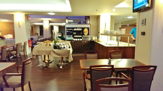 Scandic Hotel Grand Place: Breakfast dining room