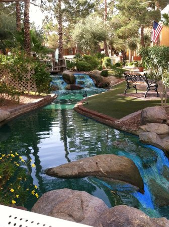 Westgate Flamingo Bay Resort : River to fountain