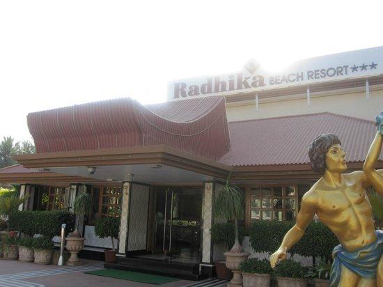 Radhika Beach Resort: Entrance