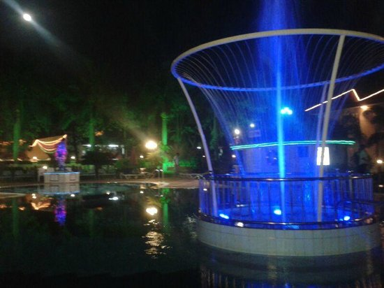 Radhika Beach Resort: fountain