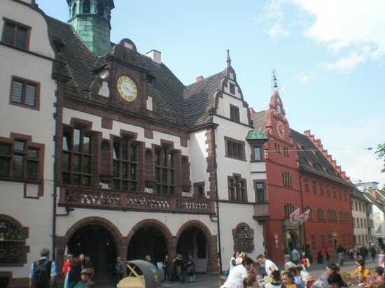 Freiburg Cathedral: piazza