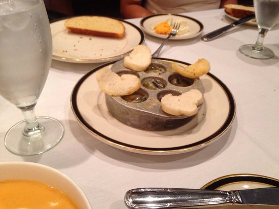 Porter's Steakhouse: Escargot