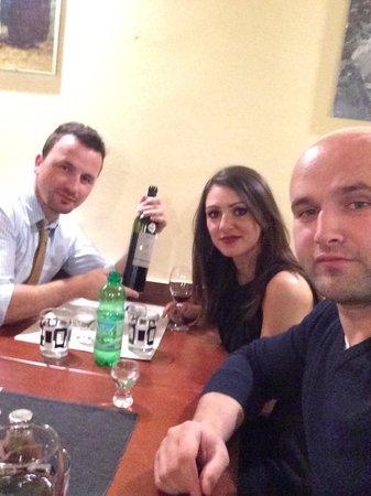 Bosna grill: Une petite rakija pour ouvrir l appétit!