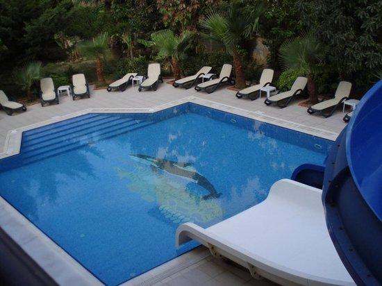 Kleopatra Royal Palm Hotel: Два бассеина и все включено