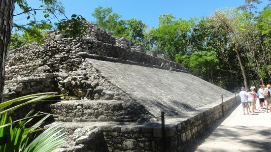 Ruinas de Coba: JUEGO DE PELOTA