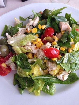 L'Approdo Restaurant: Salatka z kurczakiem