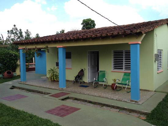 Casa Villa Caricia: House from the front