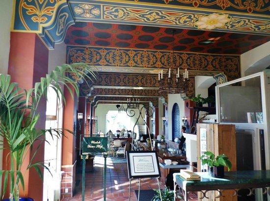 La Valencia Hotel: p 2