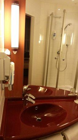 Star Inn Hotel Salzburg Zentrum, by Comfort: Ansicht Bad