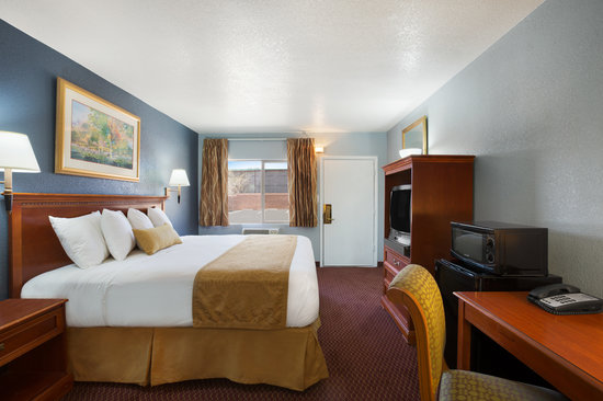 Travelodge Flagstaff East: King Size Bedroom