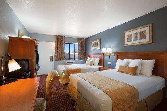 Travelodge Flagstaff East : 2 Double Bedroom