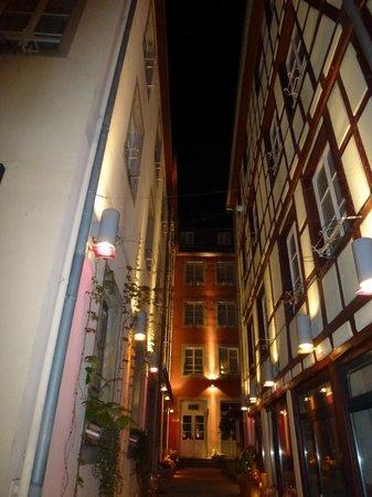 Hôtel Beaucour : La cour intérieure
