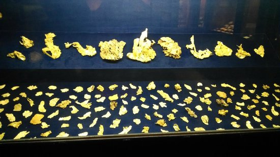 Denver Museum of Nature & Science: Gold Flakes