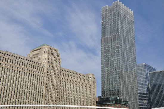 Chicago's First Lady Cruises: CHICAGO ARCHITECTURE RIVER CRUISE