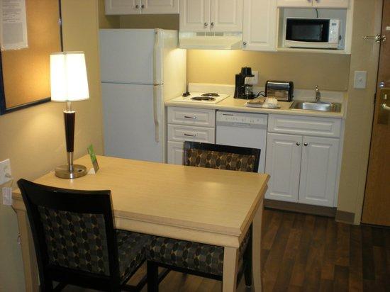Extended Stay America - Orlando - Convention Center - Universal Blvd: Cocina completa