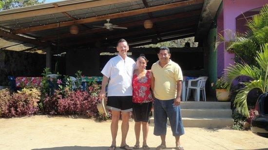 Chenchos restaurant: Your wonderful hosts and customer