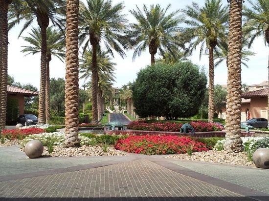 The Westin Lake Las Vegas Resort & Spa: The gardens at the front door