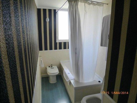 HRC Hotel: Bad Zimmer 513 Bild1