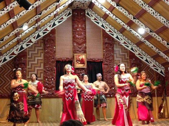 Te Puia: Maori performers