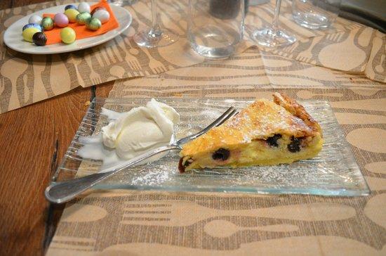 Osteria delle Commari : crostata diricotta e visciole con gelato di ricotta