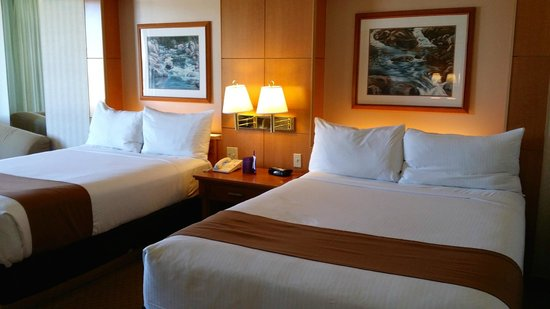 Harrah's Lake Tahoe: beds