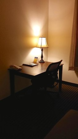 Best Western Legacy Inn & Suites : small desk