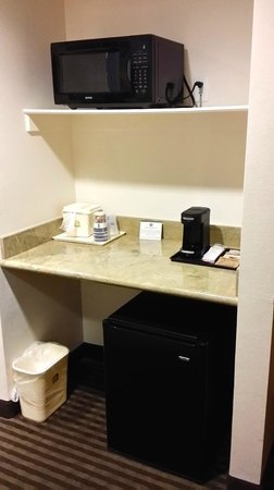 Best Western Legacy Inn & Suites: kitchenette